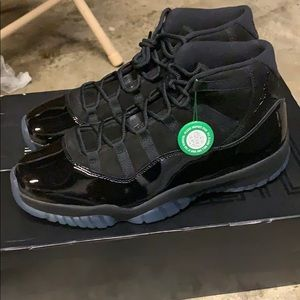 Cap and Gown 11s Dead Stock